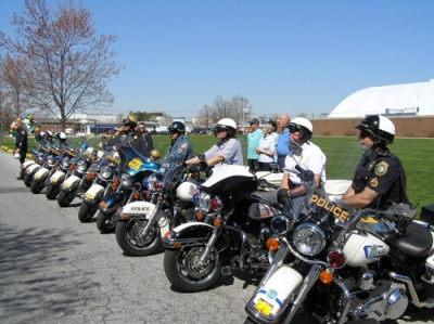 Police escorts enable riders to continue nonstop the entire length of the Ride to the Tide.